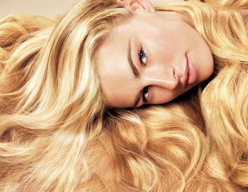 Το να φροντίσεις τέλεια τα ξανθά μαλλάκια σου ειδικά τώρα που θα αρχίσεις τα  πρώτα μπάνια 81600a096bf