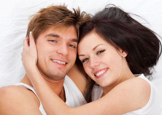<b> <i> Από τη Δήμητρα Γκούντρα </b> </i>  Τα ανδρόγυνα που κοιμούνται μαζί τείνουν να ζουν περισσότερο και να έχουν καλύτερη υγεία!  Στο παραπάνω συμπέρασμα κατέληξαν ερευνητές από το Πανεπιστήμιο το