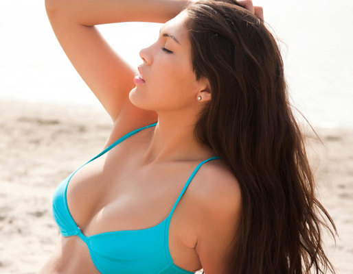 O ήλιος γίνεται όλο και πιο επιθετικός γι΄αυτό και δεν πρέπει να ξεχνάμε την ηλιοπροστασία. Μάθε τα πιο συχνά λάθη που κάνουμε στην παραλία, ενημερώσου σχετικά κι αποφυγέ τα για να είσαι σίγουρη πως θ
