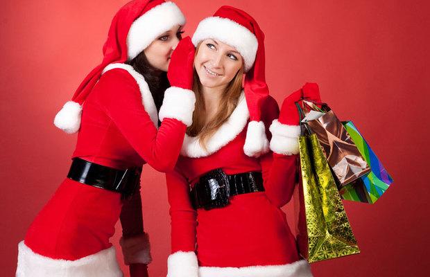 Αν δε θέλεις να κάνεις απρόσωπα δώρα φέτος τις γιορτές στις κολλητές, σκέψου από πριν τι θα τους πάρεις και οργανώσου σωστά. Σου δίνουμε μερικές απλές και οικονομικές ιδέες που ίσως σε εμπνεύσουν.