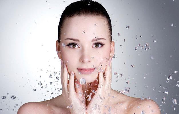 Ο καθαρισμός του προσώπου είναι <b>γρήγορος, επιβεβλημένος και, κυρίως, κανόνας υγιεινής</b>! Τα νέα καθαριστικά προϊόντα, βασισμένα σε νέες τεχνολογίες και με εμπλουτισμένη σε καλλυντικά συστατικά σύ