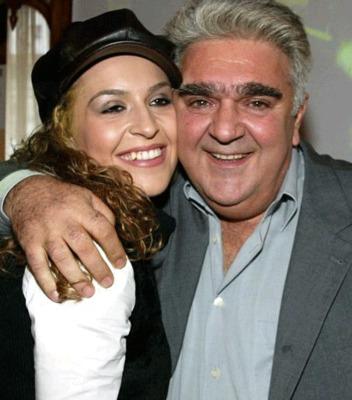 Στο ξεκίνημά της, η Γιάννα Τερζή τραγουδούσε μαζί με τον μπαμπά της Πασχάλη σε λαικό ρεπερτόριο!