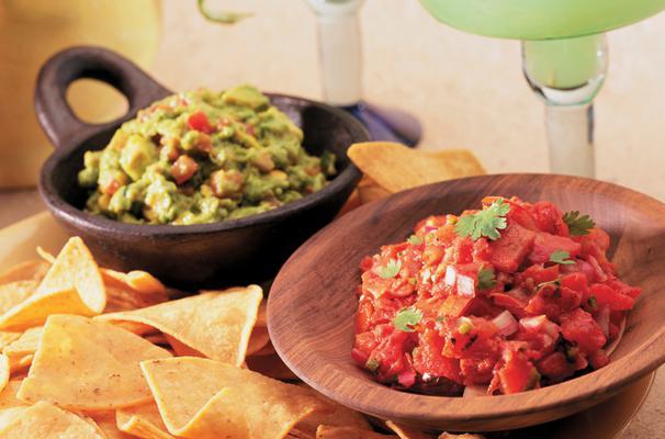 Οταν σκεφτόμαστε μεξικάνικο φαγητό αυτομάτως περνούν από το μυαλό μας πολύ συγκεκριμένες εικόνες, γεύσεις, πρώτες ύλες (καυτερές πιπεριές, φασόλια κόκκινα, τομάτες, τυρί κίτρινο, αβοκάντο) και φόρμες