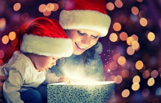 Μπορεί τα οικονομικά σου να μην είναι όπως άλλοτε και η διάθεση να είναι πεσμένη στα τάρταρα, υπάρχουν όμως τρόποι να ξεκλειδώσεις τη μαγεία των Χριστουγέννων. Δες με τα μάτια ενός παιδιού κι ανακαλύψ