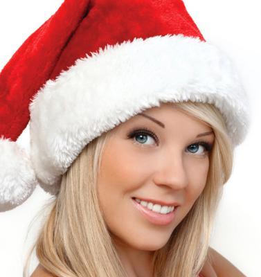 Το πιο επίκαιρο αξεσουάρ για τα μαλλιά σου είναι φυσικά ο σκούφος του Αϊ- Βασίλη! Σκέψου μόνο πως θα νιώσει ο καλός σου αν σε δει με τον σκούφο και ένα σέξι κορμάκι; Θα είναι το καλύτερο δώρο που μπορ