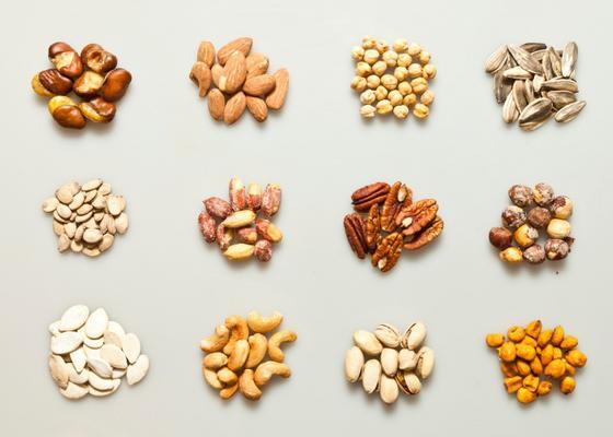 <p> </p> <p> <strong>Τι είναι οι ξηροί καρποί και ποια η διατροφική τους αξία;</strong></p> <p> Οι ξηροί καρποί είναι μια μεγάλη κατηγορία φυτικών τροφίμωνπου διατηρούνται με ξήρανση. Ό