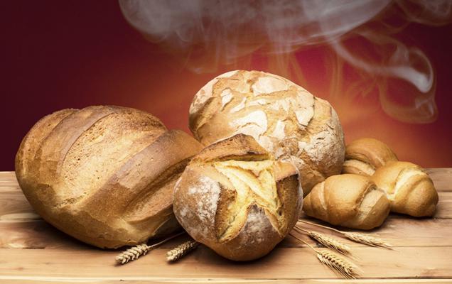 Το ζύμωμα και ψήσιμο ψωμιού στο σπίτι γίνεται ολοένα και πιο δημοφιλές, όχι μόνο για λόγους οικονομίας αλλά κυρίως υγείας. Η σύγχρονη τάση θέλει ότι πιο φρέσκο και βιολογικό και δικαίως κι εσύ προσπαθ