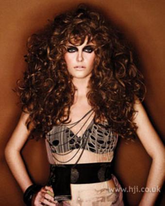 Μαλλιά με όγκο που κρατάει!