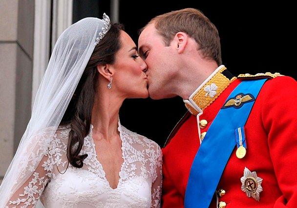 Έναν χρόνο παντρεμένοι οι πρίγκιπες