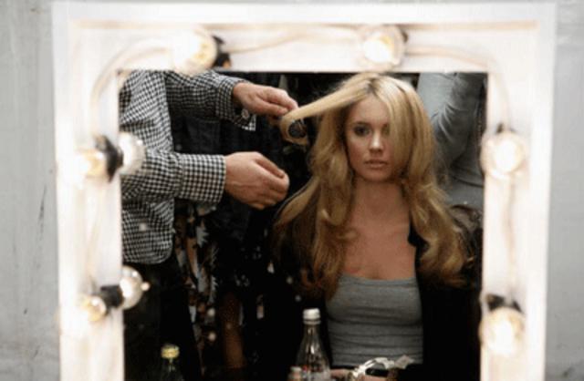 Το χτένισμα των μαλλιών σου κάνει τη διαφορά!