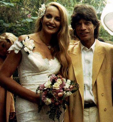 Ο άτακτος Τζάγκερ απάτησε την Τζέρι Χολ ακόμη και τη νύχτα του γάμου τους (21 Νοεμβρίου 1990) στο Μπαλί.