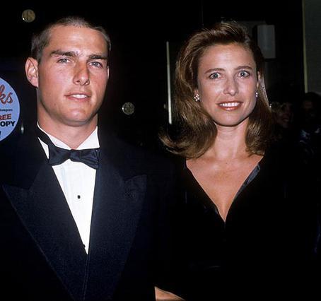 Ο Τομ Κρουζ με την πρώτη του σύζυγο, Μίμι Ρότζερς, η οποία και τον μύησε στον κόσμο της Σαϊεντολογίας.