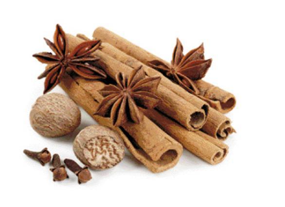 Μην βάζεις κανέλα μόνο στον καφέ και τα γλυκά σου. Φτιάξε θαυματουργές συνταγές και ανανεώσου... φυσικά!