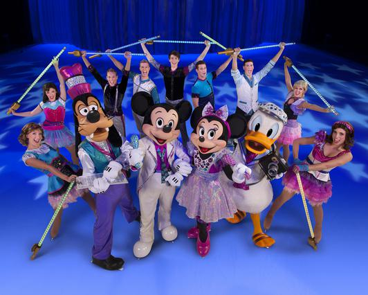 Ο Μίκυ και η Μίνι στο Μαγικό Φεστιβάλ Πάγου!