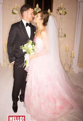 Ο Τζάστιν και η Τζέσικα Τίμπερλεϊκ την ημέρα του γάμου τους. Δεν θα μπορούσαν να είναι πιο ευτυχισμένοι και τους... φαίνεται!