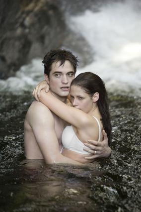 Ο  Έντουαρτ Κάλεν  και η  Μπέλα Σουαν  θα βρεθούν ξανά μαζί στην τελευταία ταινία του  Twilight .