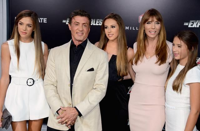 Με τις γυναίκες της ζωής του: (από αριστερά) Σιστίνε, Σοφία, Τζένιφερ και Σκάρλετ.