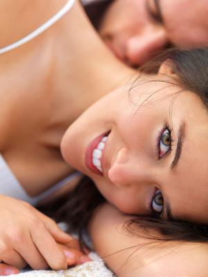 Το σεξ σε μια ερωτική σχέση είναι ό,τι και το τσιμέντο για τα θεμέλια ενός σπιτιού: κρατάει σταθερά το σπίτι στη θέση του ώστε ν' αντέχει στους σεισμούς και στις δοκιμασίες των καιρικών φαινομένων