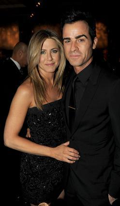 Φήμες θέλουν την Τζένιφερ να το έχει πει το  Ναι  στον Τζάστιν και τον γάμο να γίνεται πριν φύγει το 2012.
