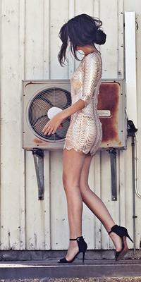 Aυτά είναι τα φορέματα που μπορείς να αγοράσεις για το ρεβεγιόν μέχρι 40 ευρώ!