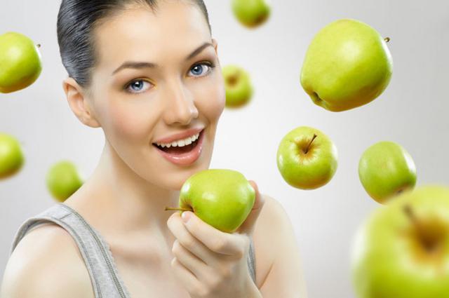 Ενα μήλο την ημέρα τον γιατρό τον κάνει πέρα!