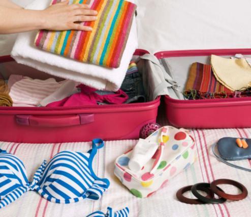 Μονόχρωμα ή πολύχρωμα τα παρεό σου δεν πρέπει να μείνουν εκτός βαλίτσας!