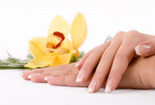 Με λίγες σταγόνες ελαιόλαδου, έχεις και μαλακά χέρια και υγιή νύχια!