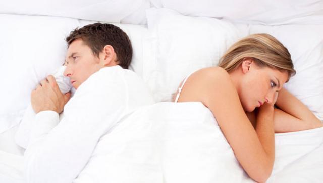 Για να μην έχεις γκρίνια -και- στο κρεβάτι, διάλεξε ένα ωραιότατο στρωματάκι όπου ο καθένας θα μπορεί  να κινείται χωρίς να γίνεται... σεισμός.