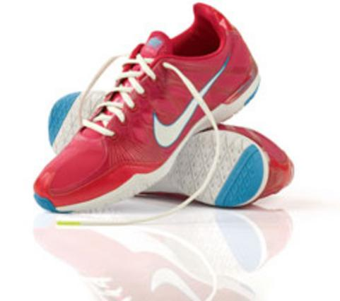 Τα νέα παπούτσια της Nike αποτελούν μία ιδανική επιλογή για βόλτες, γυμνα- στήριο και ταξιδάκια.