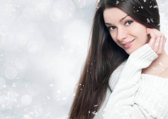 <b>Η ενυδάτωση: </b>τα μαλλιά σου έχουν τώρα ανάγκη περισσότερο από ποτέ την δική σου φροντίδα. Η σωστή ενυδάτωση των μαλλιών σου είναι ιδιαίτερα σημαντική. Αν έχεις ξηρά μαλλιά δεν αποκλείεται τώρα ν