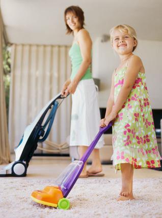 Το σκούπισμα με την ηλεκτρική είναι μία από τις δουλειές που αγαπούν περισσότερο οι γυναίκες. Εκτός από την περίπτωση που αφορά στα... σκαλιά!