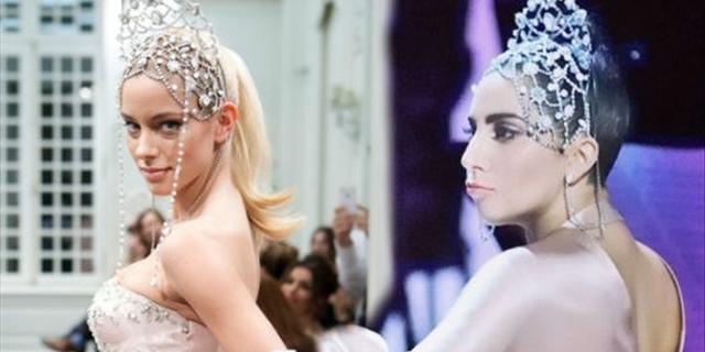 Άγριο κράξιμο στη Δούκισσα για την... τιάρα της Lady Gaga!