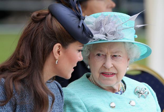 Βασίλισσα προς Κέιτ: Όχι πια μίνι, μόνο τιάρες!
