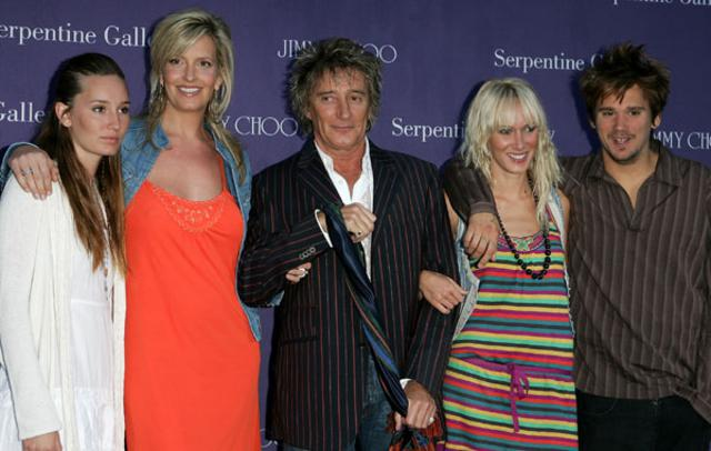 Ο Ροντ με τη γυναίκα του, Πένι  και τα τρία μεγαλύτερα παιδιά του,  τη Ρούμπι, την Κίμπερλι και τον Σον.