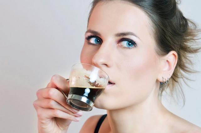 Πόσα φλιτζάνια καφέ πίνεις ημερησίως;