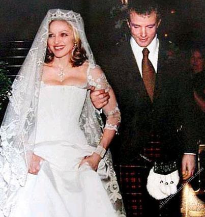 Η Μαντόνα και ο Γκάι Ρίτσι παντρεύτηκαν το 2000