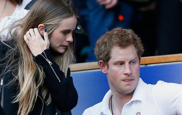 Το κορίτσι του πρίγκιπα Χάρι όπως ξυπνάει το πρωί