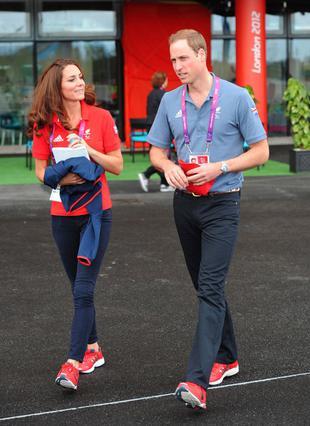 Ντυμένοι αθλητικά και απόλυτα αρμονικά μεταξύ τους, οι νεαροί πρίγκιπες παρακολούθησαν αγωνίσματα των Παραολυμπιακών στον Λονδίνο.