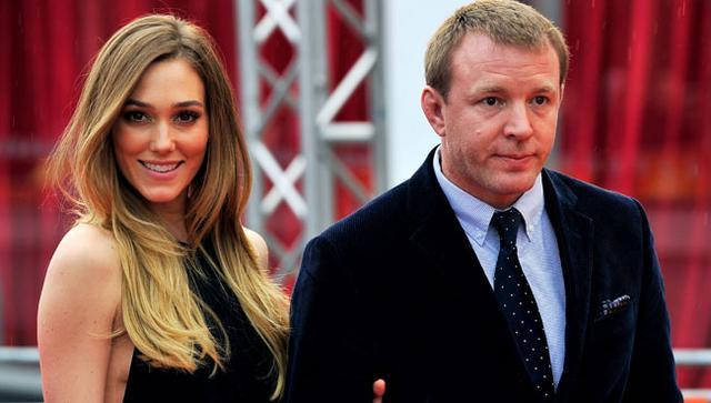 Η έγκυος στο δεύτερο παιδί του Γκάι Ρίτσι, η Τζάκι Ανσλέι, δέχτηκε την πρόταση γάμου του καλού της.