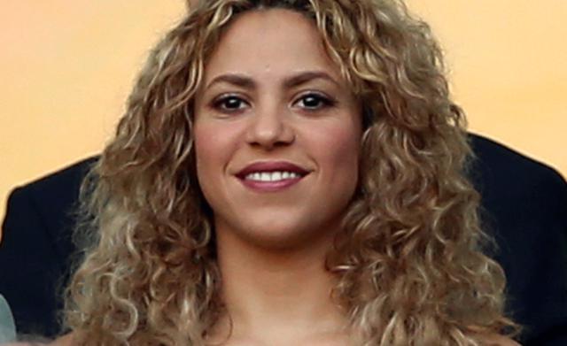 H Shakira και η πάντα σέξι κοιλιά της!