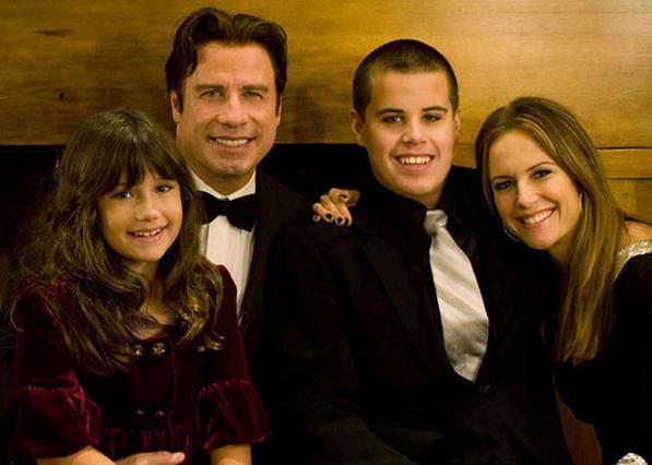 Η οικογένεια Τραβόλτα σε παλιές καλές στιγμές