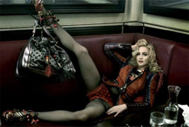 Ακόμη πιο προκλητική εμφανίζεται η Μαντόνα στη συνέχεια της καμπάνιας της Louis Vuitton.