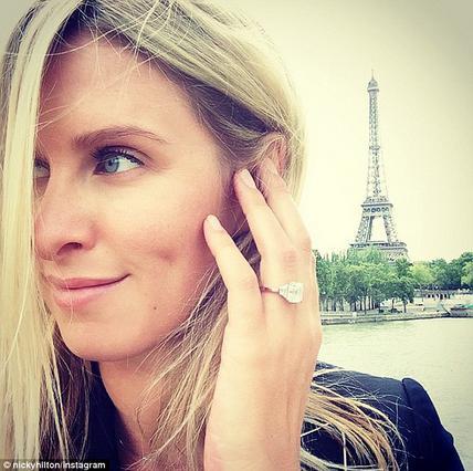 Αρραβώνας στο Παρίσι για τη Νίκι Χίλτον