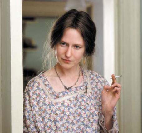 Η Νικόλ Κίντμαν είχε κερδίσει το Όσκαρ Α' Γυναικείου ρόλου ως Βιρτζίνια Γουλφ στην  ταινία  Οι ώρες  του 2002. Στα γυρίσματα, όμως, μαθαίνουμε ότι είχε μερικά βασικά  θεματάκια  με τη μύτη της...