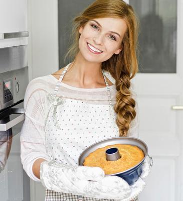 <p>Με τη φόρμα του κέικ δίνουμε σχήμα στις γαρνιτούρες μας. Το ρυζάκι κι ο πουρές μπορούν να παρουσιαστούν με άψογο σχήμα δίχως κόπο απλά με ένα φορμάρισμα! ;-) </p>   <p> Εκτός όμως από εργαλείο για