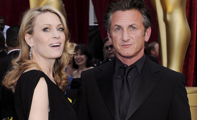 <p>Σα να έχει ξαναγεννηθεί από τη στιγμή που χώρισε από τον Σον Πεν (Sean Penn), η Ρόμπιν Ράιτ (Robin Wright) <strong>εμφανίζεται όλο και πιο όμορφη, φιτ και σέξι.</strong></p>  <p>Στα 48 της χρόνια π