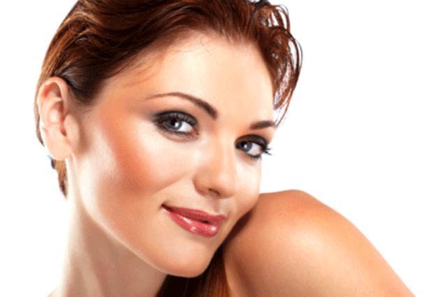 Μάθε πώς θα φαίνεσαι πιο αδύνατη  με το σωστό μακιγιάζ!
