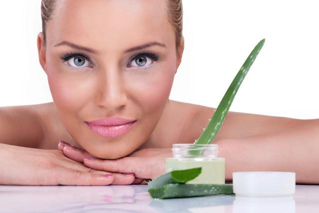 Φτιάξε σπιτικό γαλάκτωμα αλόης για το δέρμα σου