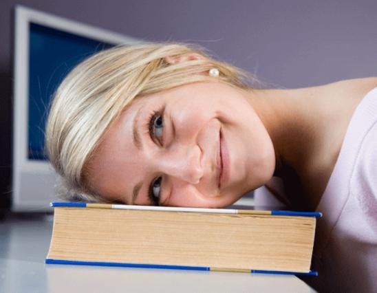 9 λόγοι που  σέρνεσαι  απ' την κούραση