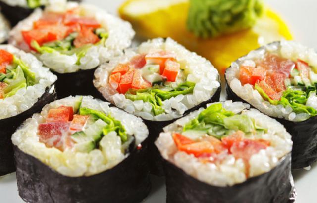 Φτιάξε σούσι στο σπίτι: Μάθε τα βασικά (απόλαυση χωρίς πολλές θερμίδες)
